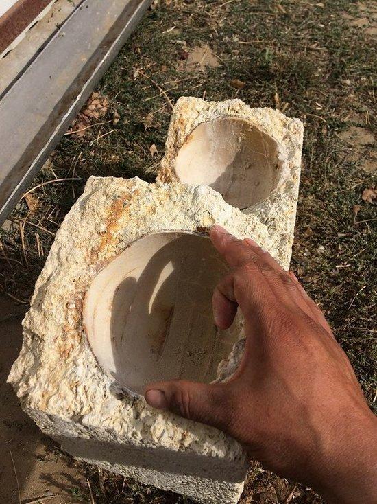 В Калмыкии в карьере Чолун-Хамур, возможно, нашли яйцо динозавра