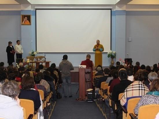 Буддисты Калмыкии посмотрели фильм о геше Нгаванге Вангьяле в Центральном хуруле